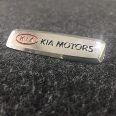 Шильдик для автоковриков kia motors глянцевый цветной